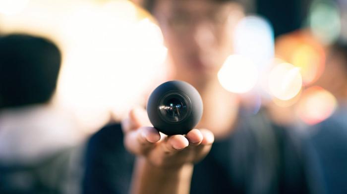 Camera Luna 360